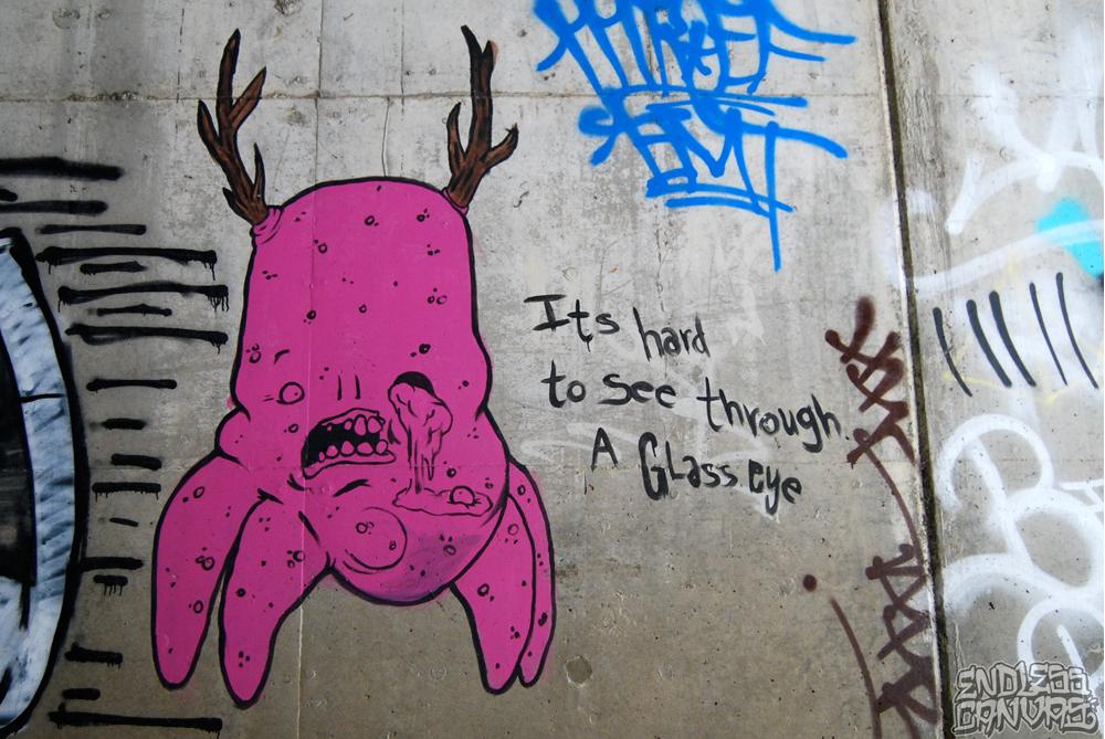 Remik graffiti street art.