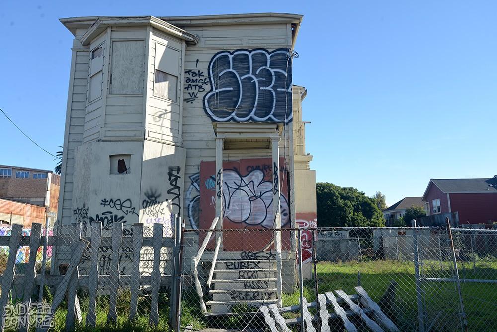 Scez Check Graffiti.